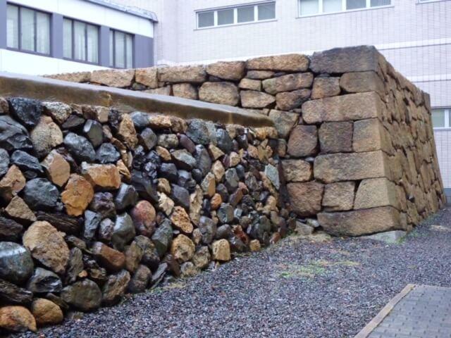 高松城艮櫓台石垣(本荘良智)